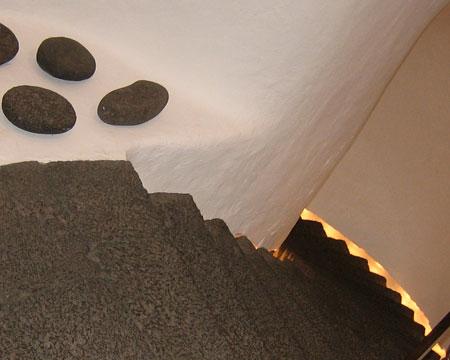 Escaleras en el Castillo de San José, en Arrecife.