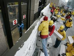 greenpeace muro bruselas