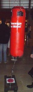 Saco de boxeo en el Hall del Cubo grande del Kursaal