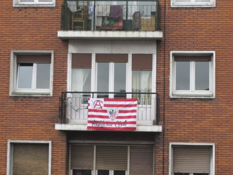 bandera athletic balcon en bilbao