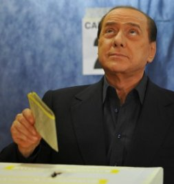 ITALY-BERLUSCONI-VOTE-EU